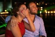 Heiratsantrag-Freude-Yacht