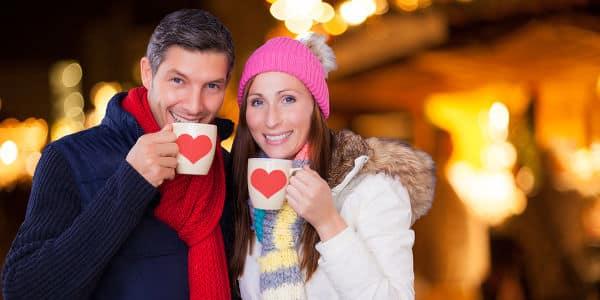 So machst du deiner Liebsten am Weihnachtsmarkt einen Heiratsantrag