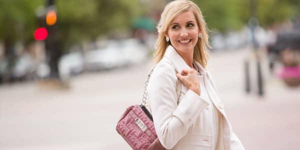 Die besondere Handtasche – Frauen werden dieses Weihnachtsgeschenk lieben