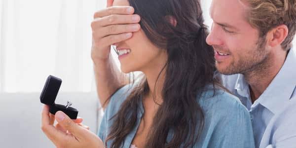 Der perfekte Verlobungsring für September geborene