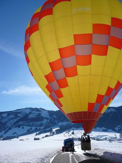 antrag-im-heiszluftballon