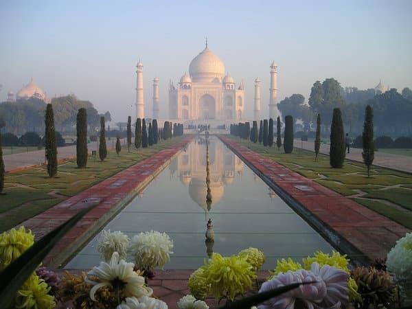 Ort für einen Heiratsantrag - Taj Mahal in Indien