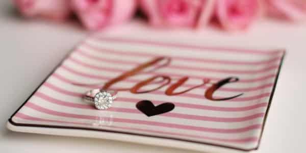So findest du den perfekten Verlobungsring für deine Freundin